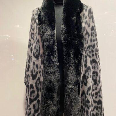 Omslag sjaal grijs zwart dierenprint